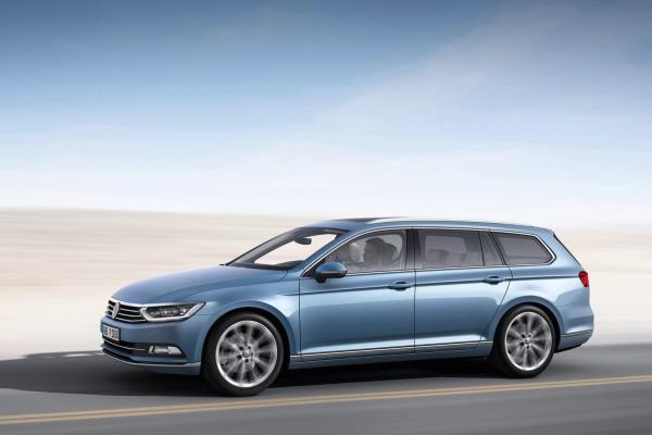 2015-Volkswagen-Passat-28