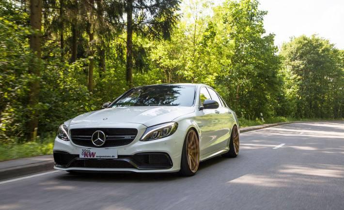 low_KW_V3_Mercedes-Benz_C63AMG_Fahraufnahme01
