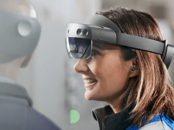 HoloLens 2 Industrial Edition launches for $4,950 - 1