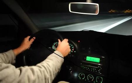 Как ездить на автомобиле ночью. Советы по безопасному вождению