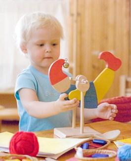 ребенок учится играя