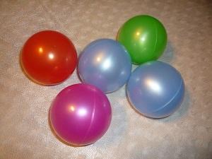 пластмассовые шарики