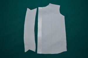 приклеиваем флизелин к частям рубашки