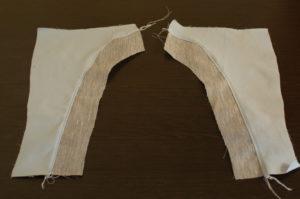 сшиваем детали задних полотнищ