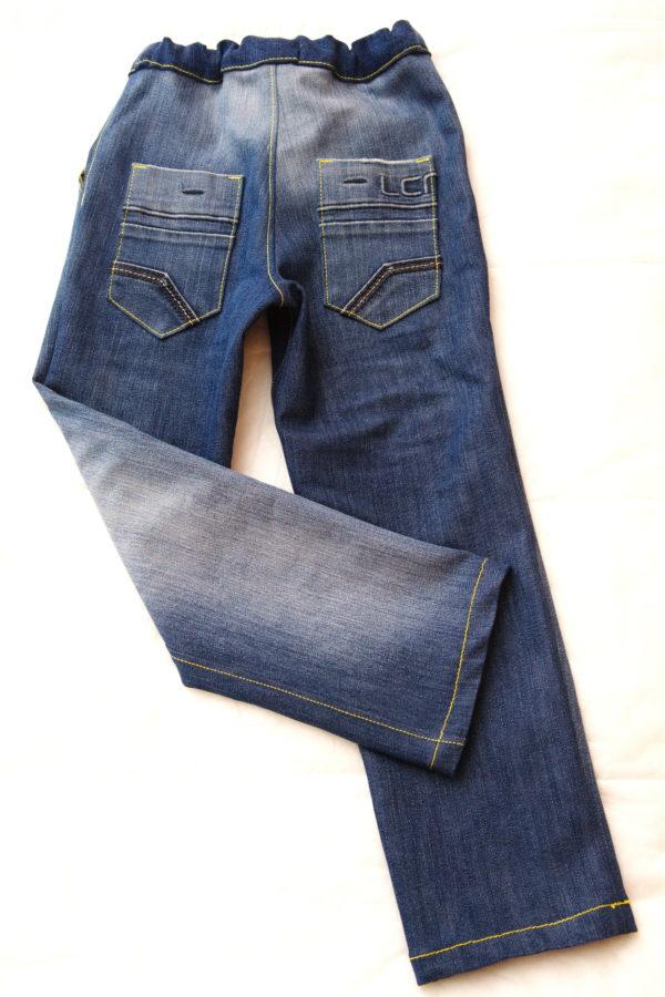 детские джинсы вид сзади
