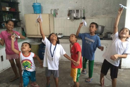 VSee Philippines orphans fly