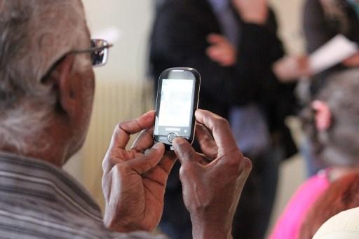 elderly smartphone tech