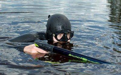 นักล่าใต้น้ำ