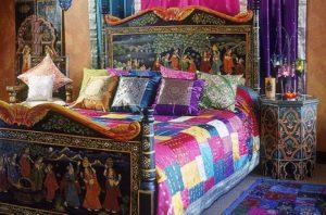 Индийский стиль в интерьере спальной-1