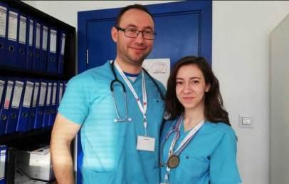 двойка лекари