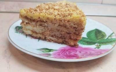Вкусна торта на трохи