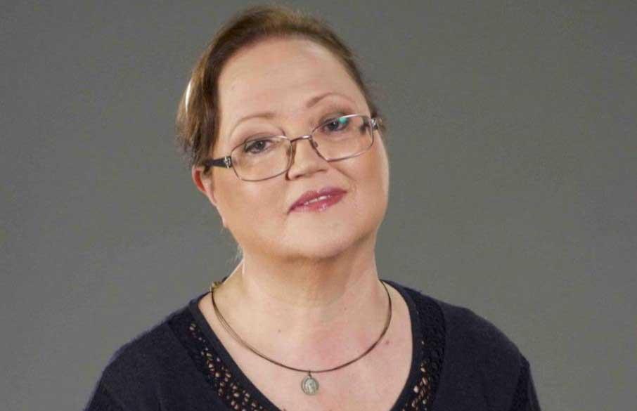 Ваня Костова се