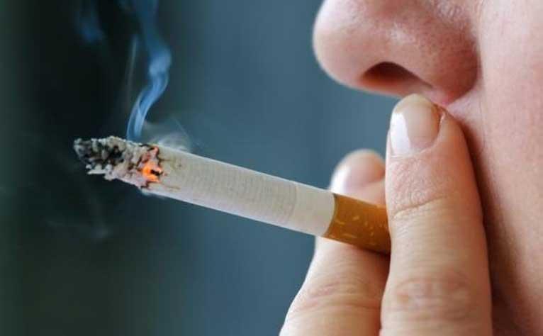 Ученик с цигара през соца