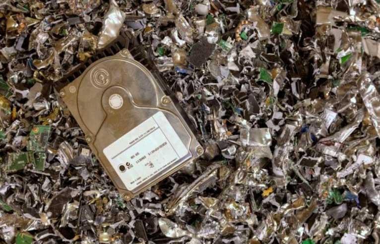 Уелски компютърджия изхвърли диск