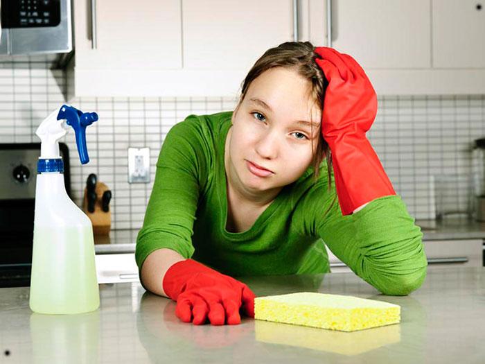Cum spălați bucătăria de grăsimi și murdărie – 9 rețete pentru diverse suprafețe!