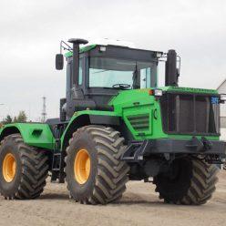 10 лучших тракторов в современной России