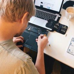 Назван список ноутбуков, которые чаще всего сдают в ремонт