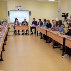 В Кировском Клубе учителей обсудили переход на 12-летнее обучение