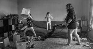14 brutálne pravdivých snímok zobrazujúcich materstvo: Toto je skutočný život mamy!