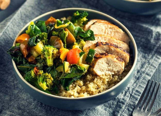 Dinner | Quinoa and Grilled Chicken | Follow This Fat Shedding Meal Plan To Lose Weight