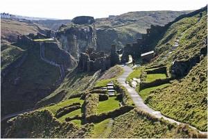 Руїни замку Тинтаджел, у якому нібито народився король Артур