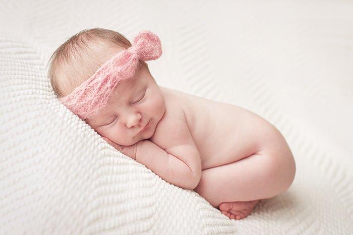 У новорожденной набухла грудь особенности физиологического процесса