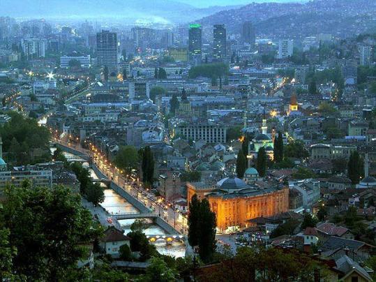 Sarajevo vjecnica nocu