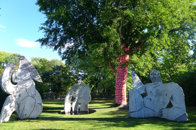The trees were all wrapped with Kusama Dots. Here with Picasso's Déjeuner sur l'herbe. Moderna Museet.