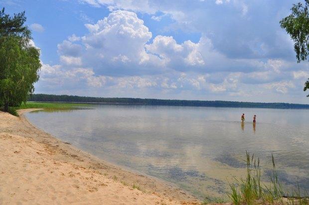 10 озер України для літніх подорожей