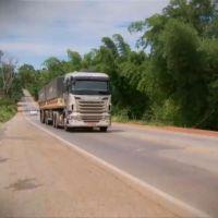 Repórter Record Investigação quinta-feira 21/01/2016 - Programa mostrar a dura rotina dos caminhoneiros pelas estradas do País