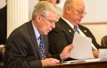 Senate hands out bigger carrots for school district consolidation, strengthens supervisory union authority