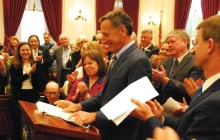 Shumlin signs paid sick leave bill