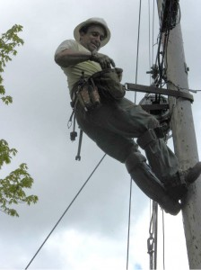 A Fairpoint Communications lineman at work. VTD/Eric Blokland
