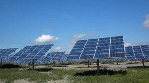 South Burlington's new twenty-five acre solar farm promises to generate a reported 2.2 megawatts of electricity for the state, enough to power roughly 450 homes. VTD/Eric Blokland