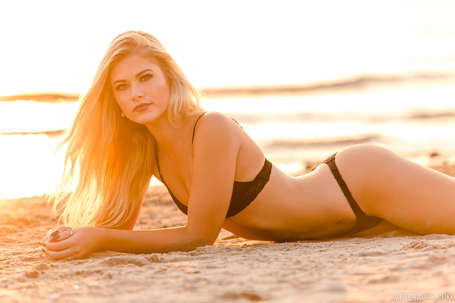 Beach photo shoot with model Sami