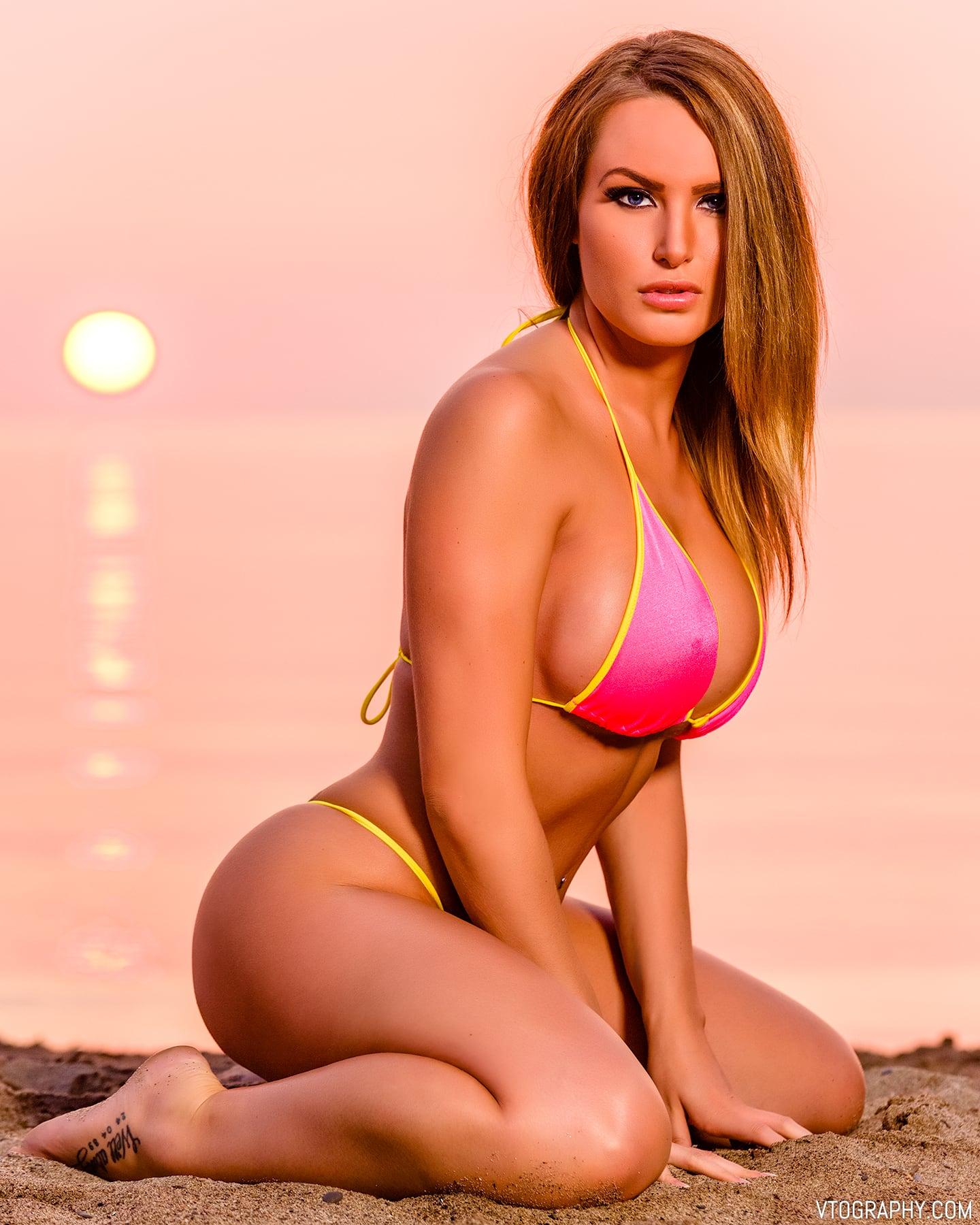 Bikini beach photo shoot with Samantha, photographed with Paul C. Buff Einstein monolight