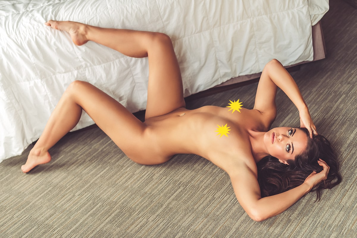 Kelsie Nude Photo Shoot