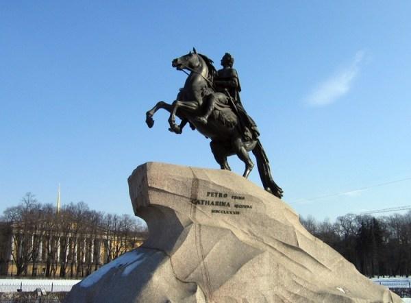 Памятник Петру 1 «Медный всадник» в Санкт-Петербурге ...