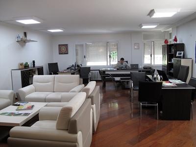 Khu vực văn phòng và tiếp khách