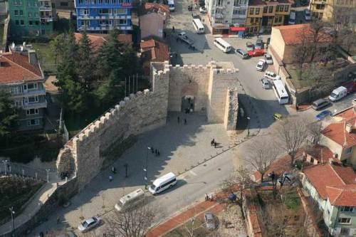Cổng hồi vương Gate of Sultan từ trên cao