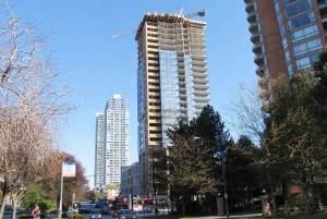 圖:加國房價估值過高,升幅超過收入和人口增長,加拿大房屋貸款公司最新一個季度的市場評估報告,首次將風險指數提升至強烈。(攝影:王圓/看中國)
