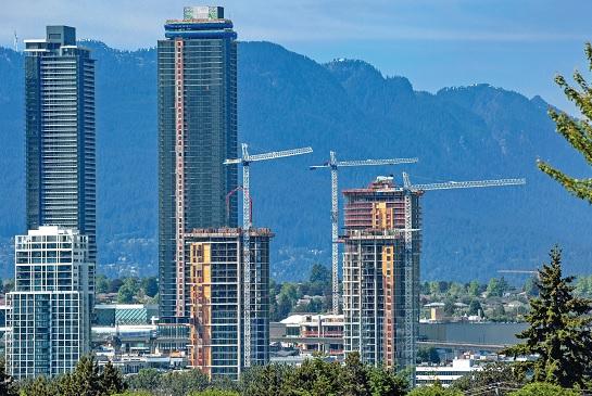 CMHC:房價料跌18% 貸款條件收緊