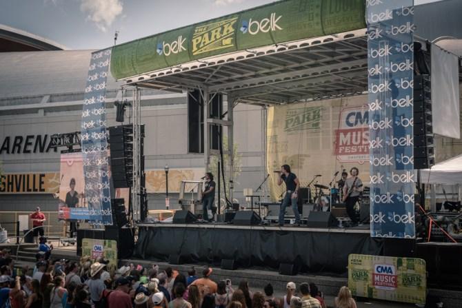 Belk-Park-Stage-wide-angle-Belk---Walk-of-Fame-Park-Stage-@-CMA-Fest-2015_39
