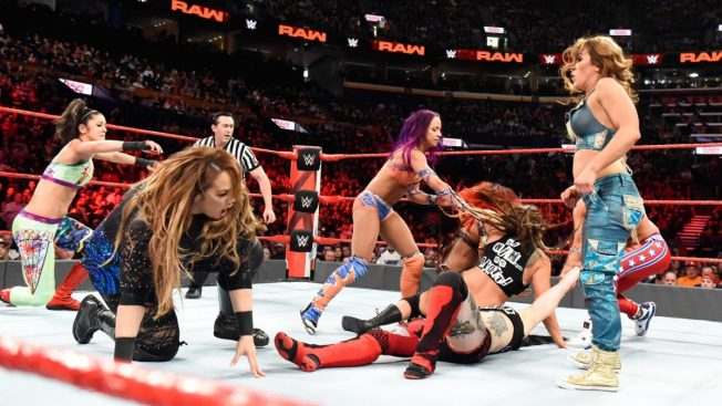 Chaos in the 10-woman tag match