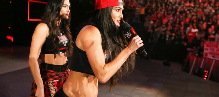 Nikki Bella RAW