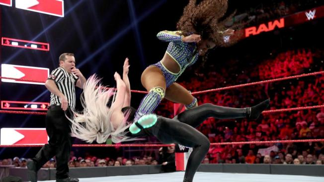 Naomi rear views Alexa Bliss