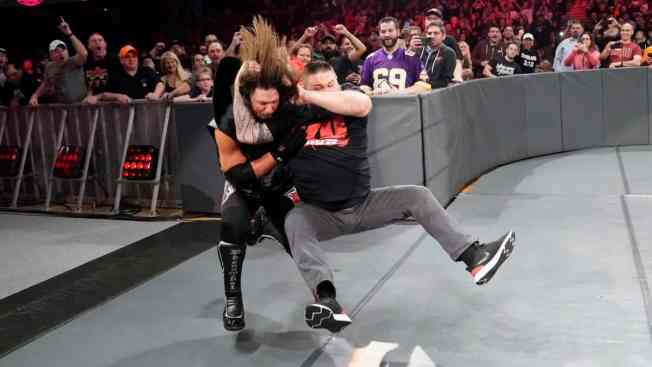Kevin Owens gives AJ Styles a stunner
