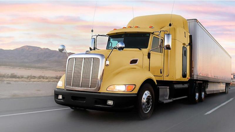 Dầu nhớt động cơ xe tải, xe buýt, xe đầu kéo (semi truck)