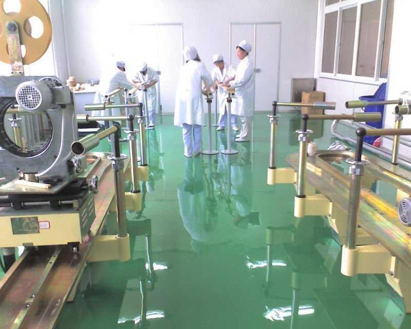 Ứng dụng sơn Epoxy tự san phẳng sàn bệnh viện
