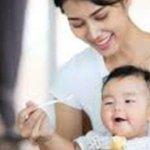 Công thức nấu cháo trứng gà khoai lang cho bé ăn dặm dưới 1 tuổi hết táo bón